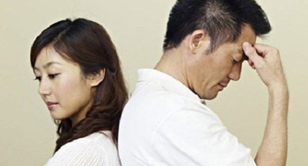 3. Ngoại tình ảnh hưởng đến tinh thần, sức khỏe bố mẹ hai bên.